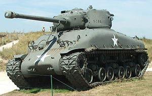 Sherman M4 - Estatua conmemorativa de este carro de combate.